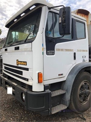 2001 International Acco 2350G Wrecking for Sale