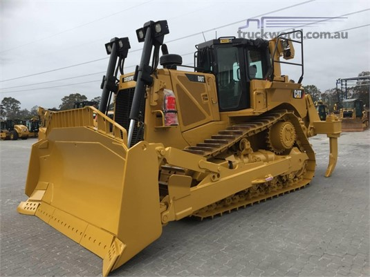 2013 Caterpillar D8T Heavy Machinery for Sale