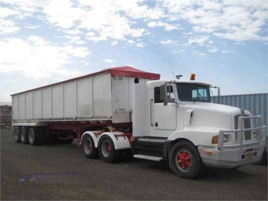 2000 Kenworth T400 Trucks for Sale