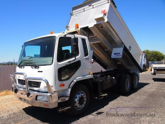 2011 Fuso Fighter 2427 - Trucks for Sale