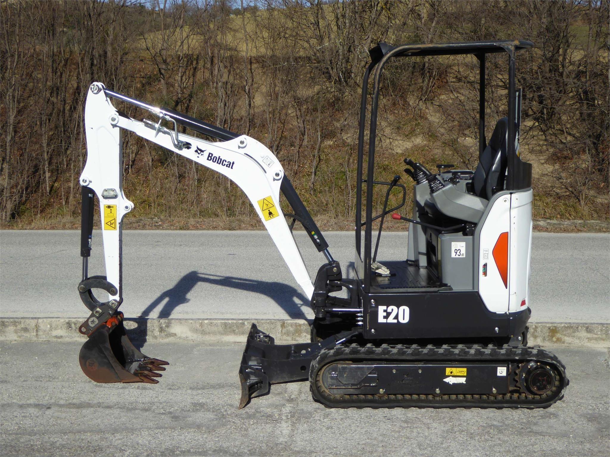 Bobcat E20 Usato