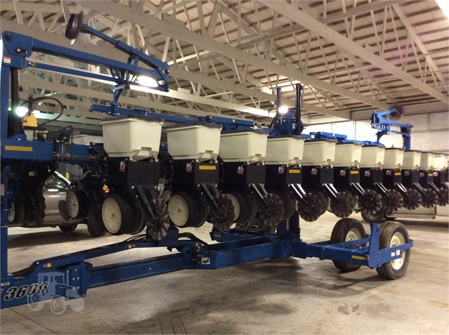 2010 KINZE 3600 For Sale In Albion, Illinois