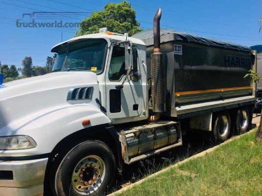 2008 Mack Granite - Trucks for Sale