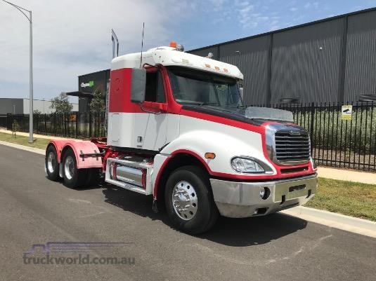 2007 Freightliner Columbia CL120 - Trucks for Sale
