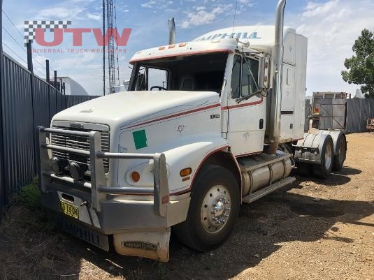 1998 Freightliner FL112 Universal Truck Wreckers - Wrecking for Sale