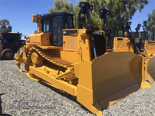 2014 Caterpillar D7R Heavy Machinery for Sale