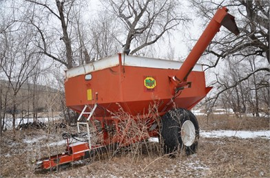 Bradford Grain Trailers Auction Results - 5 Listings