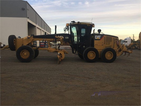 2010 Caterpillar 12M Heavy Machinery for Sale
