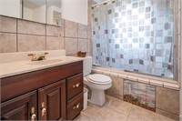 Real Estate 7607 E. Manslick Road, Louisville, KY 40228