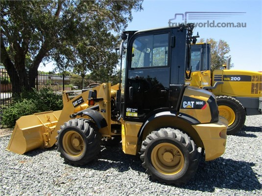 2014 Caterpillar 903C Heavy Machinery for Sale