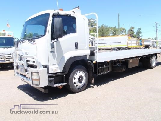 2012 Isuzu FTR 900 Long Premium AMT - Trucks for Sale
