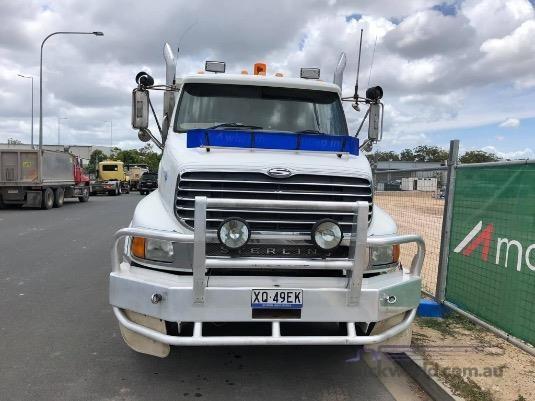 2001 Sterling LT9500 6x4 Truckworld