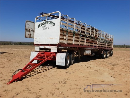 1975 Custom Stockcrate Trailer Western Traders 87 - Trailers for Sale