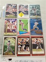 Lot of 27 Baseball Cards.