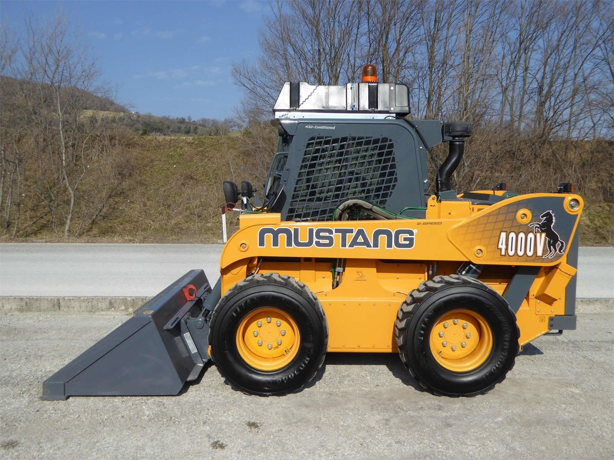 MUSTANG 4000V Usato