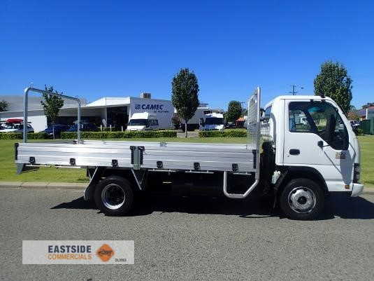 2006 Isuzu NPR 300 Medium Premium Eastside Commercials - Trucks for Sale