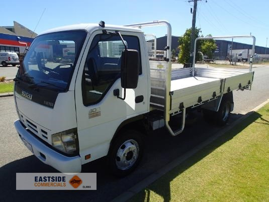 2006 Isuzu NPR 300 Medium Premium Eastside Commercials - Trucks for Sale