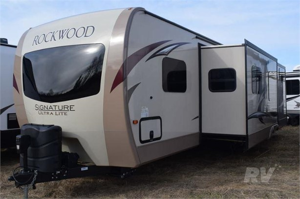 FOREST RIVER ROCKWOOD SIGNATURE ULTRA LITE RVs For Sale - 47