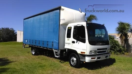 2003 Isuzu FRR 500 Long Trucks for Sale