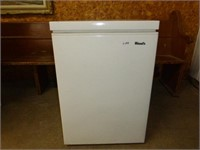 Woods Apartment Size Freezer (White)