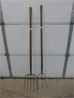 3 Prong and 5 Prong Pitch Forks
