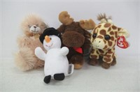 Lot of (4) Small Plush Toys