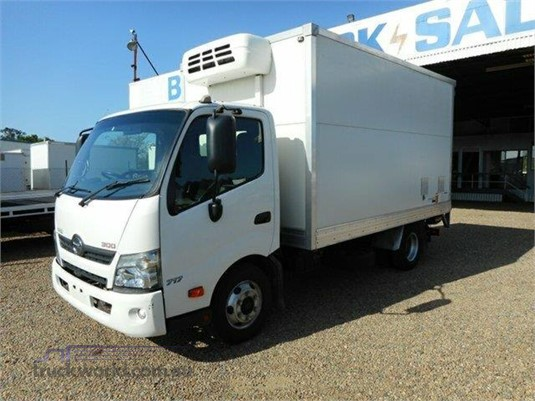 2011 Hino 300 Series 717 - Trucks for Sale