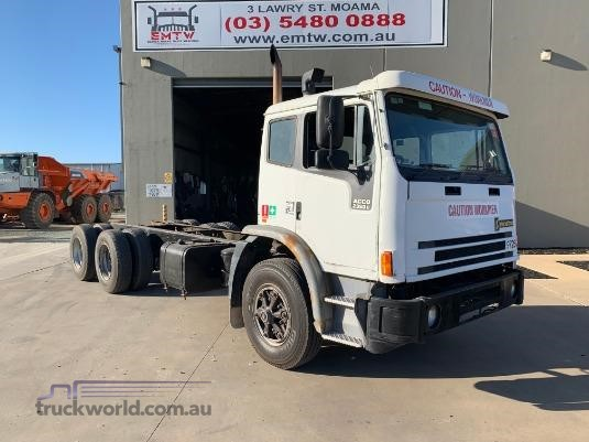 1997 International Acco 2350G Wrecking for Sale