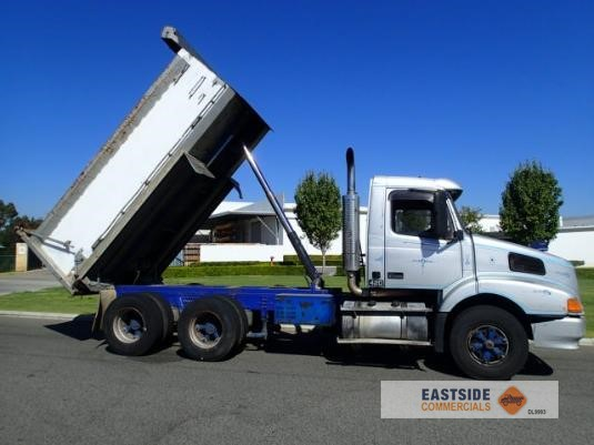 2000 Volvo NH12 Eastside Commercials - Trucks for Sale
