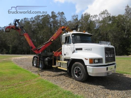 2004 Mack Fleetliner Trucks for Sale