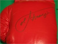 4 SIGNED EVERLAST BOXING GLOVES TO INCLUDE 2