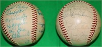 2 SIGNED BASEBALLS TO INCLUDE A 1961 RED SOX