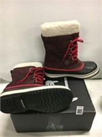 SOREL WOMENS BOOTS SIZE 9