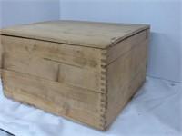 "Wooden Flip-Top box w/ ""Make It"" Building Toys"