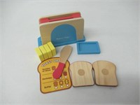 Melissa & Doug Bread and Butter Toaster Set (9