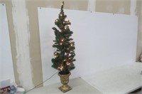 National Tree 4 Foot Montclair Spruce Entrance