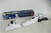 BISSELL 2033Y Featherweight Stick/Hand Vacuum