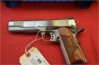Smith & Wesson SW1911 .45 auto Pistol