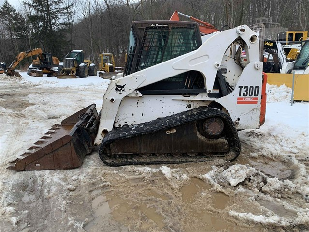 BOBCAT T300 For Sale In Johnstown, Pennsylvania | www