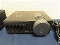 Dell 4320 Projector - Like new, 19 hours