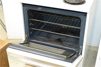 Frigidaire Electric Stove with Coil  Burners