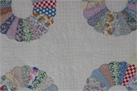 BEAUTIFULLY QUILTED DRESDEN PLATE STYLE HAND