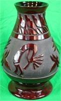 LARGE NATIVE AMERICAN POTTERY VASE WITH