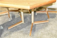 """Table 42"""" with 18"""" Leaf & (4) Chairs"""