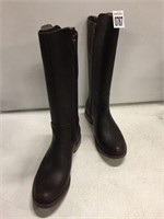 TIMBERLANDS WOMENS BOOTS SIZE 9