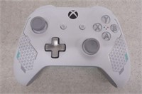 Xbox One Wireless Controller: Sport White Special