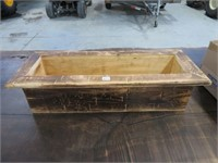 "Wood planter box 24"""