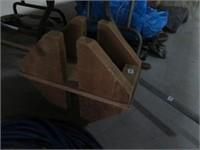 Pr of wood blocks
