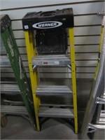 Werner 4' fibreglass step ladder