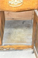 Antique Wash Stand (matches lot #4431 & 4432)